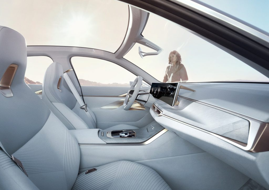 BMW Concept i4 Kabin Profil