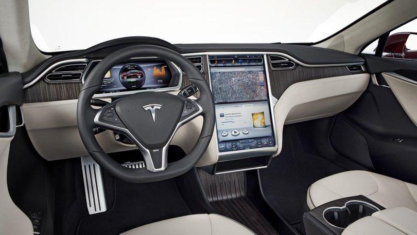 Tesla'nın Otopilotları Hız Sınırını Algılayabilecek! İnanmak zor!